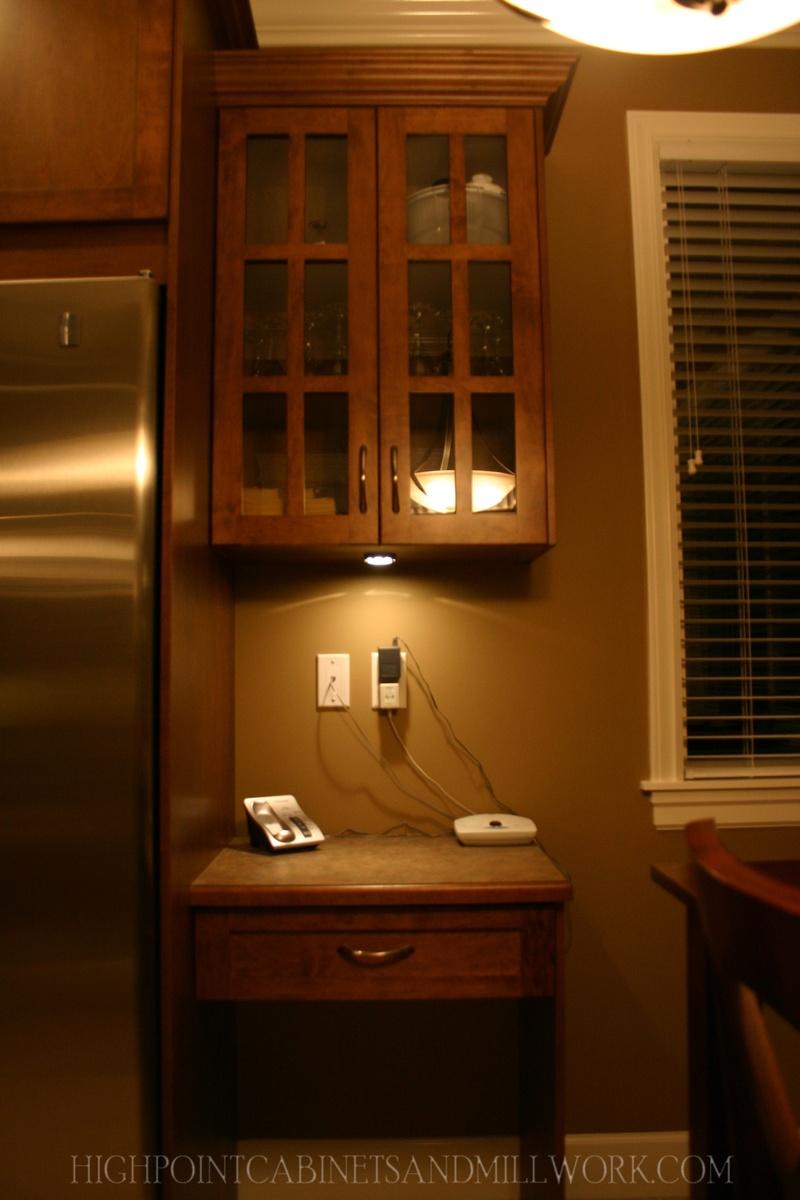 Maple Shaker Phone Desk